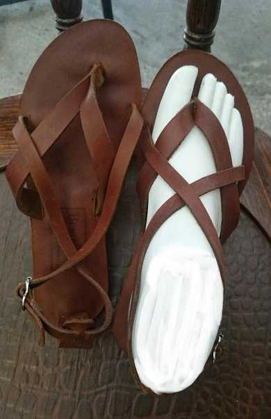 Grecian sandal with straps