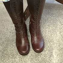 ladies tall boot with laces and zipper