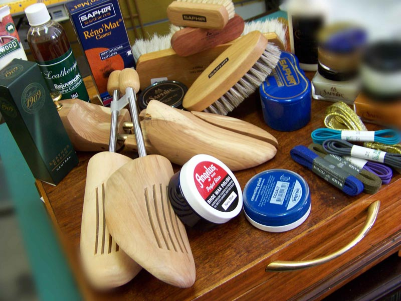 leather care products including Saphir